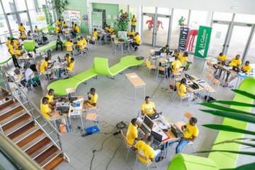 1503-10026-trois-equipes-de-startup-weekend-libreville-en-finale-du-grand-prix-de-l-excellence-2016_L