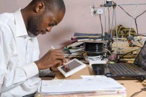 1707-39614-20-start-up-camerounaises-sous-la-loupe-du-magazine-investir-au-cameroun_L