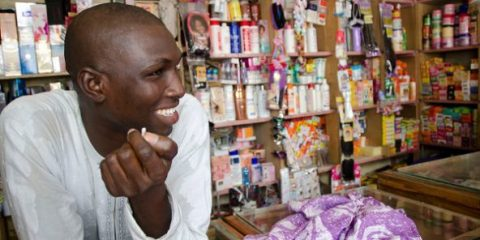 shopkeeper-haircare-products-dakar-senegal-5466-1-592x296