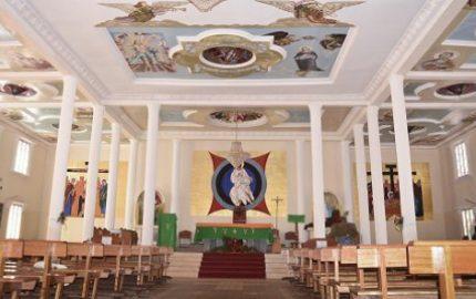 1ja_7748-paroisse-saint-kisito-a-balengou-photo-victor-zebaze-copie-592x296-1487343877