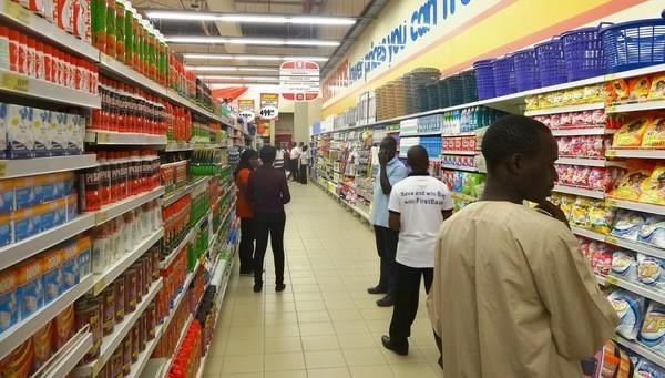 Supermarche-dans-nord-Nigeria-Kano-20-mars-2014_0_730_341