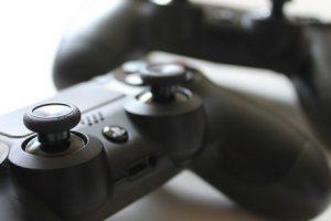 controller-1216816_960_720-592x296