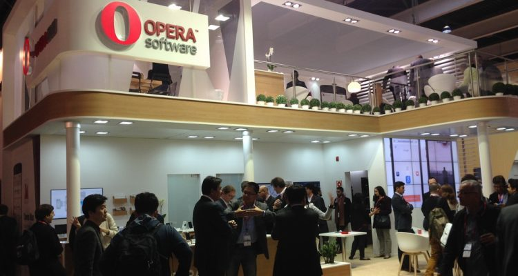 opera-software-stand