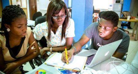 1810-51293-la-start-up-andela-obtient-40-millions-pour-doubler-sa-base-de-developpeurs-et-lancer-deux-nouveaux-bureaux-en-afrique_M